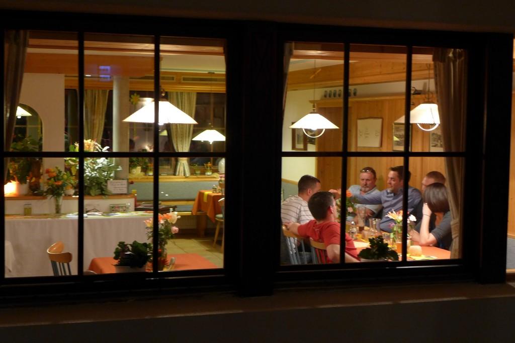 Name:  SchlossBlick Hotel near Kufstein, AustriaP1000936.jpg Views: 2317 Size:  150.4 KB