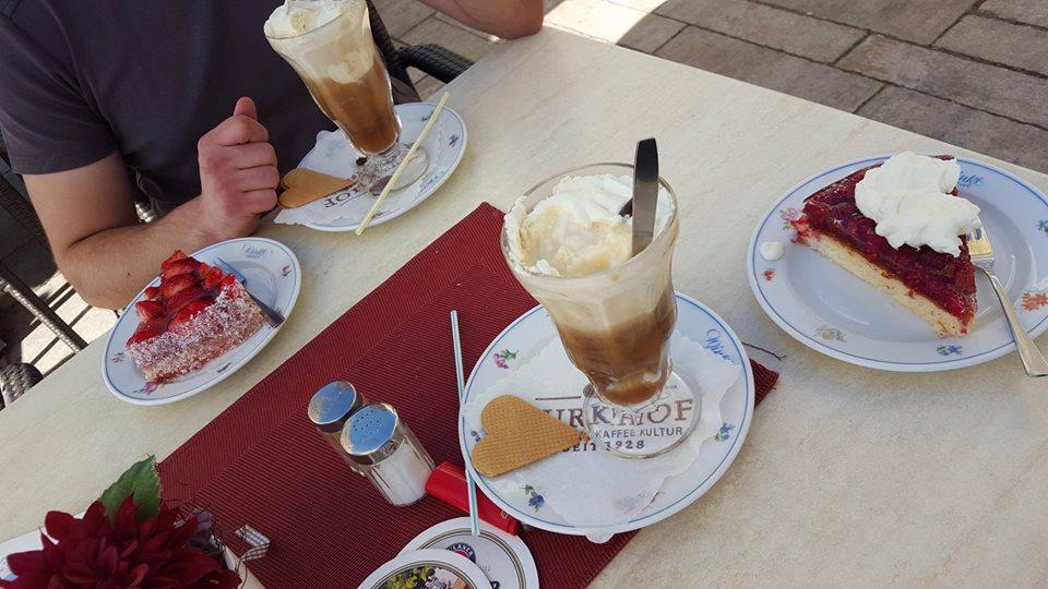Name:  Winklstüberl Cafe   11220081_10153484950263567_1219844606769862688_n.jpg Views: 2109 Size:  98.5 KB
