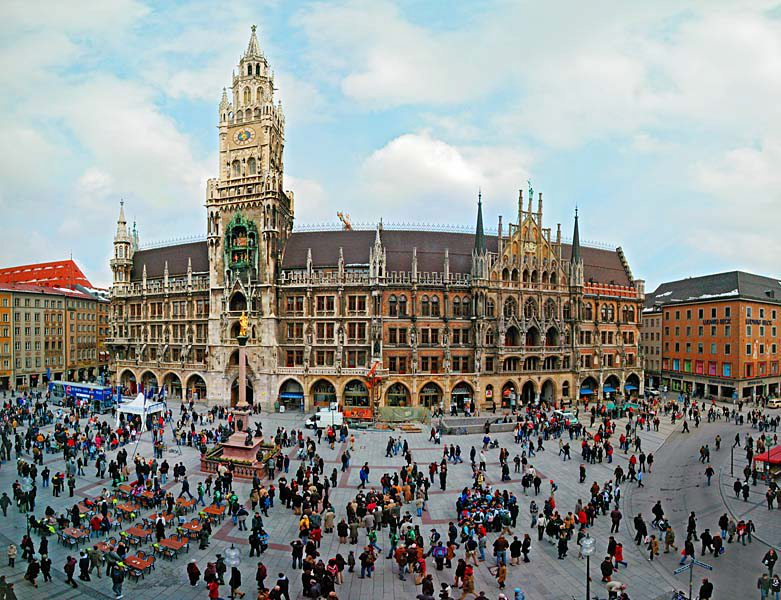 Name:  Marienplatz3279647691965_569965791_n.jpg Views: 2270 Size:  125.8 KB