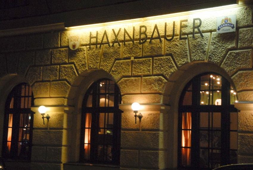Name:  Haxnbauer im Scholastikahaus .jpg Views: 2291 Size:  412.3 KB